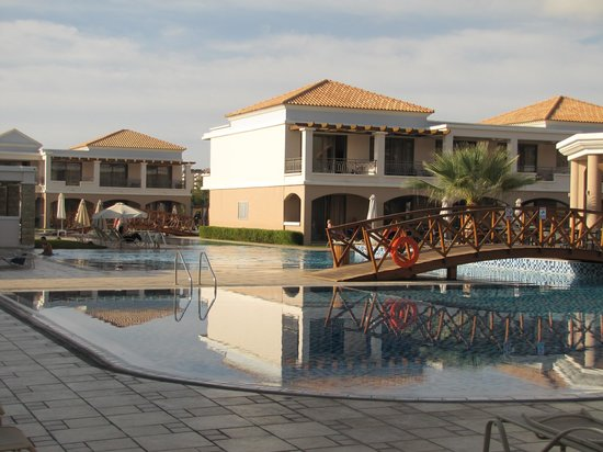 La Marquise Luxury Resort Complex: pool