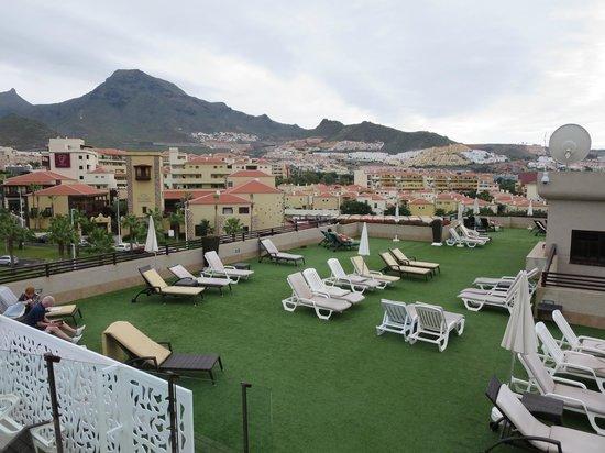 GF Fanabe: Roof Top Terrace