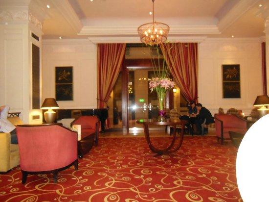 Corinthia Hotel Budapest: salon-bar