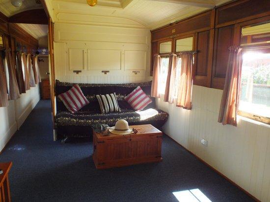 Codrington Gardens: Lounge