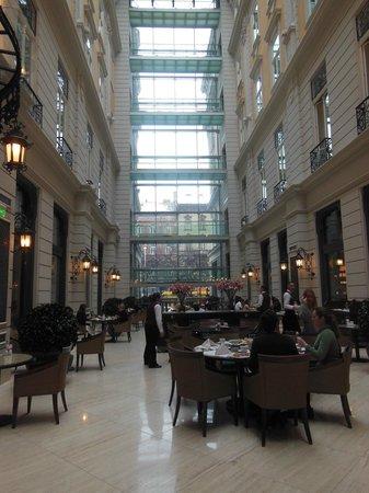 Corinthia Hotel Budapest: salle à manger
