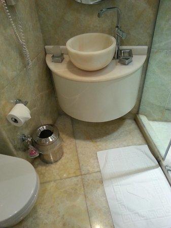 Hotel Valide Sultan Konagi: douche