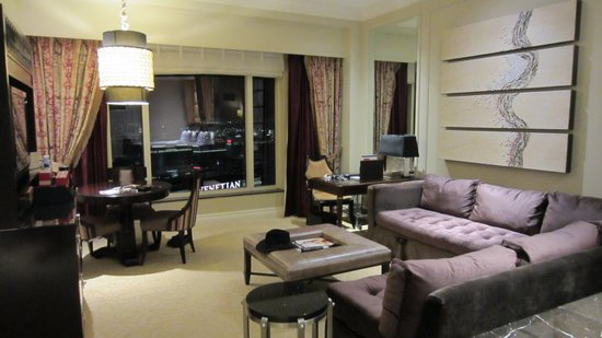 The Palazzo Resort Hotel Casino: Our room