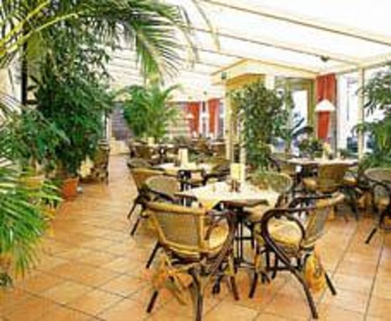 Hotel Restaurant de Vrouwe van Stavoren: Gezellige Serre voor drankje of diner