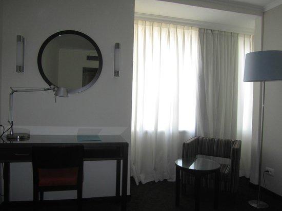 Metropolitan Hotel: standard renovated room