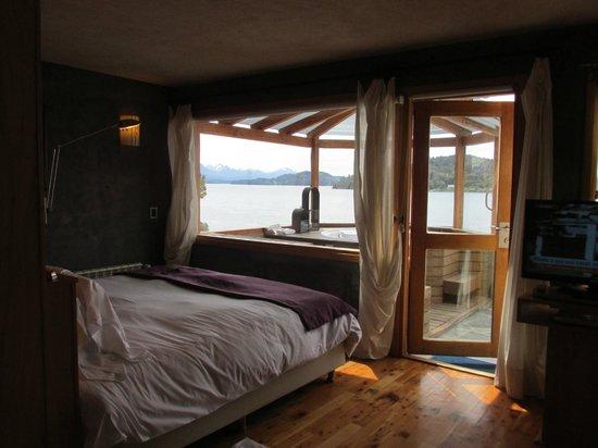 Lirolay Suites: vista desde la cama