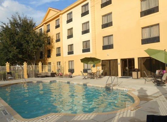 La Quinta Inn & Suites Bonita Springs Naples North: piscine