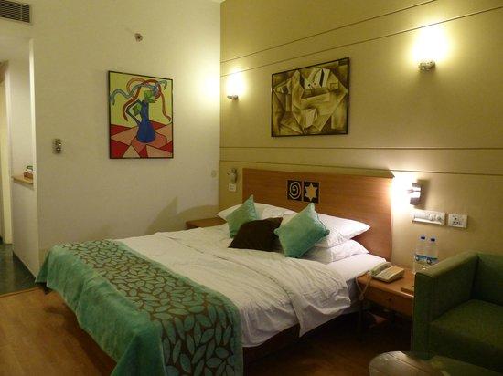 Lemon Tree Hotel, Aurangabad: Ma chambre standart que j'ai photographié à mon arrivé ;-)