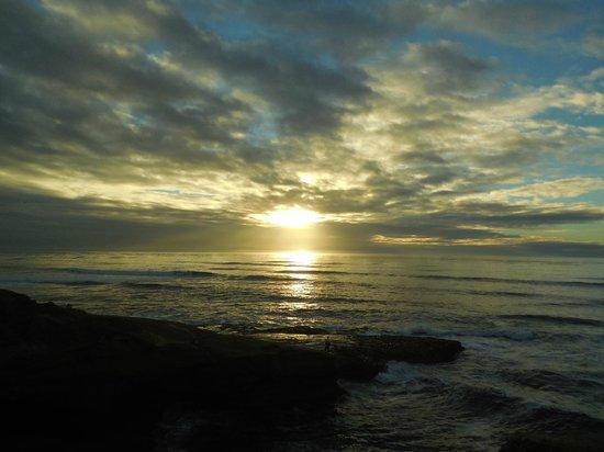 Sunset Cliffs Natural Park: Sunset in December