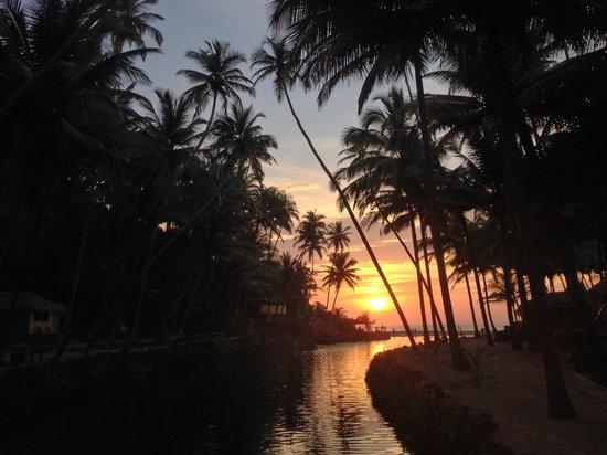 Dwarka Eco Beach Resort: Dwarka bei Sonnenuntergang