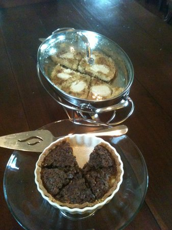 Auld Sweet Olive Bed and Breakfast: Breakfast offerings, as good as they look