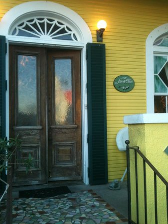 Auld Sweet Olive Bed and Breakfast : Entrance to Sweet Olive