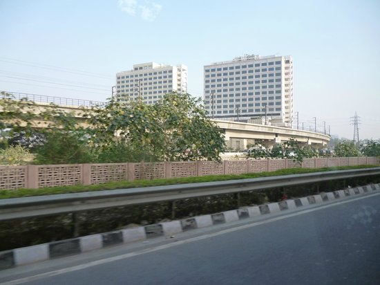 Crowne Plaza New Delhi Mayur Vihar Noida : Blick auf das Hotel