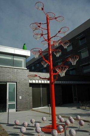 21c Museum Hotel Bentonville : Basketball anyone?