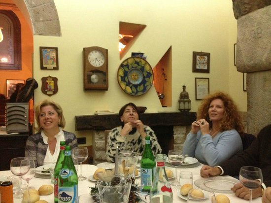 Locanda Carpe Diem: Sala da pranzo con camino