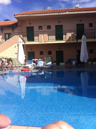 Anemi Apartments : The pool