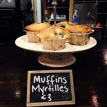 Dotty's Coffee House: muffins