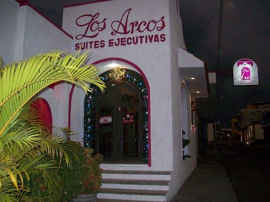 Suites Ejecutivas Los Arcos Hotel