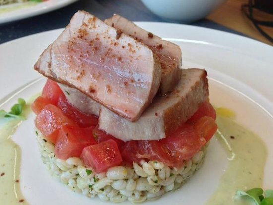 Maio Restaurant : Tonno con pomodorini e farro