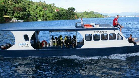 NAD-Lembeh Resort: NADのダイビングボートの1つ