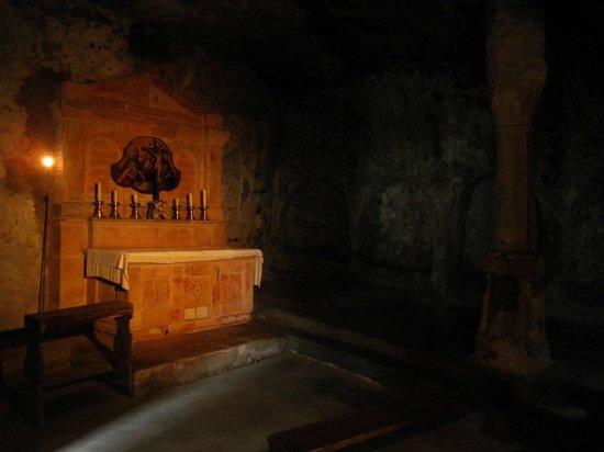 Petersfriedhof: Altar in Catacombs