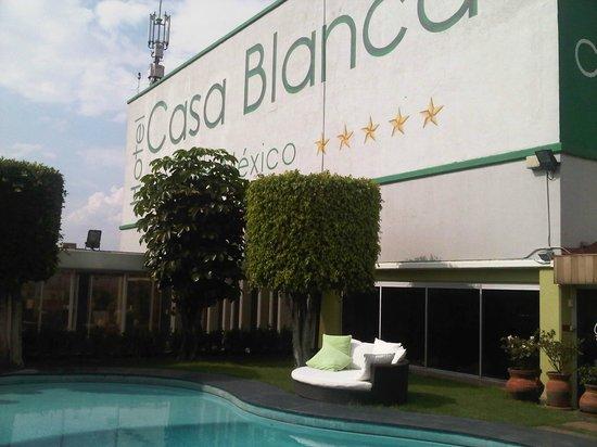 Hotel Casa Blanca Mexico City: la terraza donde esta la piscina excelente