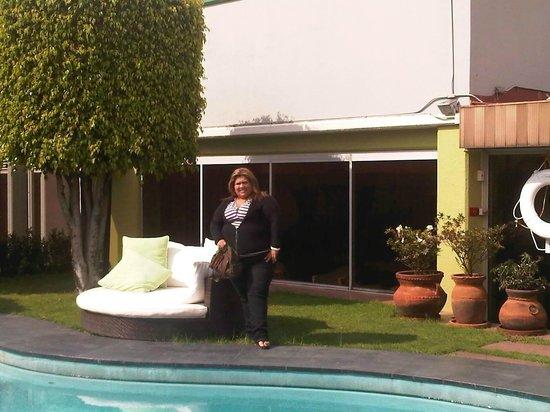 Hotel Casa Blanca Mexico City: yo en la terraza de la piscina