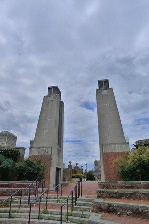 Penn's Landing: entrance