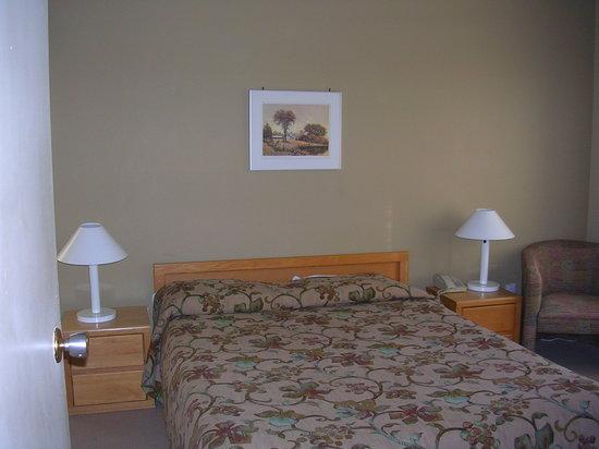 Village des Soleils : Main bedroom - 1 or 2 bedroom apt.