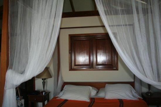 Belizean Dreams: The bed
