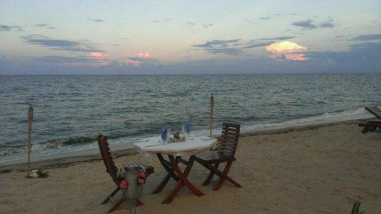 Belizean Dreams Resort : Romantic dinner night!