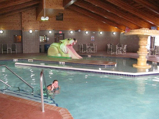 Hotel Glenwood Springs: We enjoyed having the pool all to ourselves.