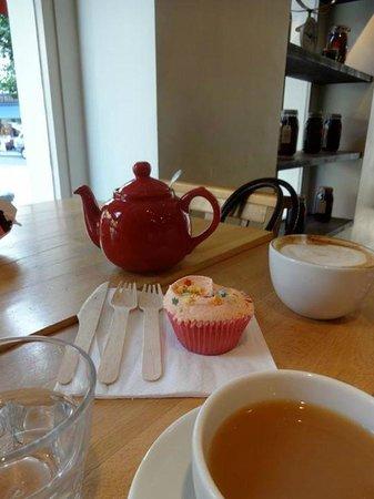 The Hummingbird Bakery: Hummingbird Cupcake - Notting Hill