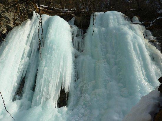 Lillaz Waterfalls: Ghiaccio 2
