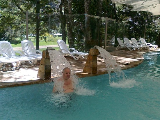 Hotel & Termas Huife : cuello de cisne pileta hidroterapeutica