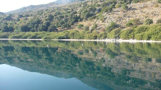 Lake Kournas : озеро