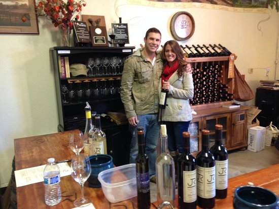 Wine Country Journeys LLC: Wine tasting!