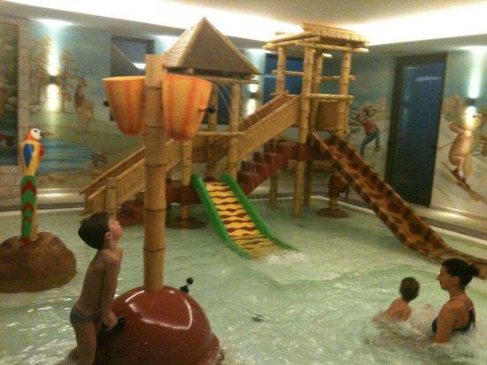 AlpHoliday Dolomiti Wellness & Fun Hotel: Piscina bimbi