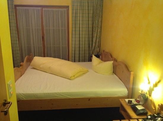 Landgasthof-Hotel-Maximilian: the queen size bad