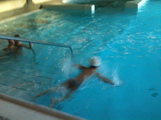 AlpHoliday Dolomiti Wellness & Fun Hotel: Piscina principale