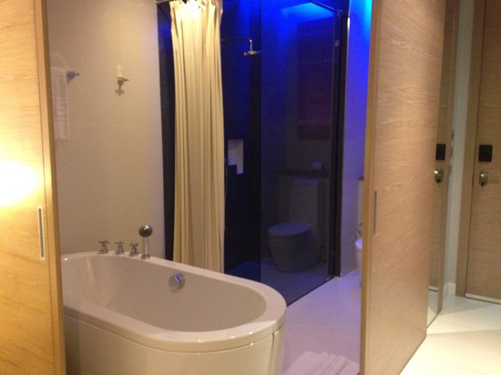 The KEE Resort & Spa: Bath
