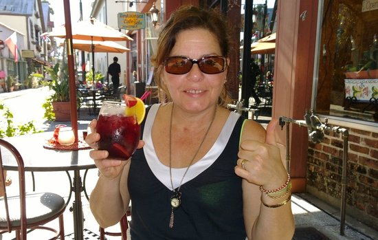 La Herencia Cafe : Sangria!!