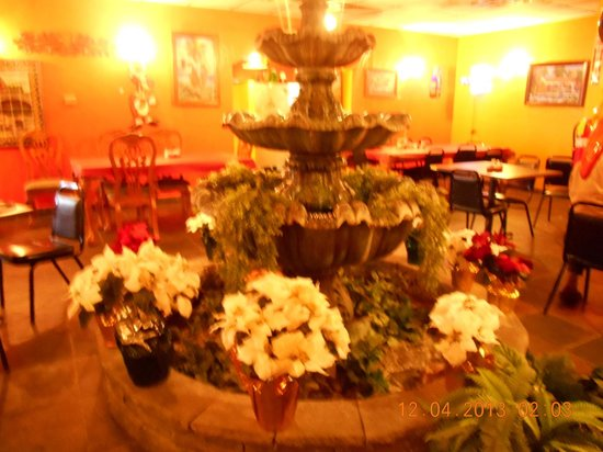 Palacios Grill: Dining area-very pretty