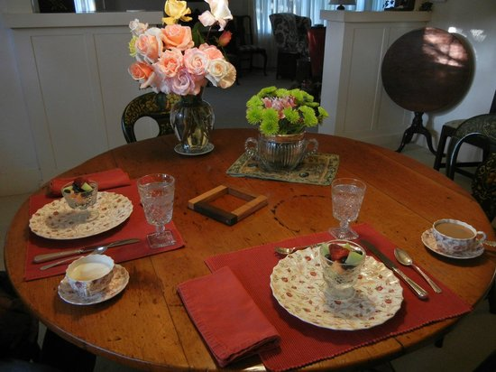 Crone's Cobblestone Cottage Bed and Breakfast : Breakfast