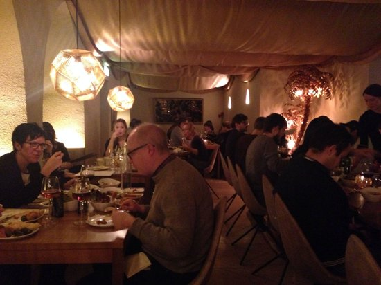 Occo Restaurant: Cozy, warm atmosphere
