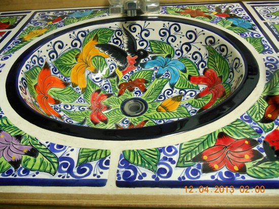 Palacios Grill: Bathroom sink- very interesting