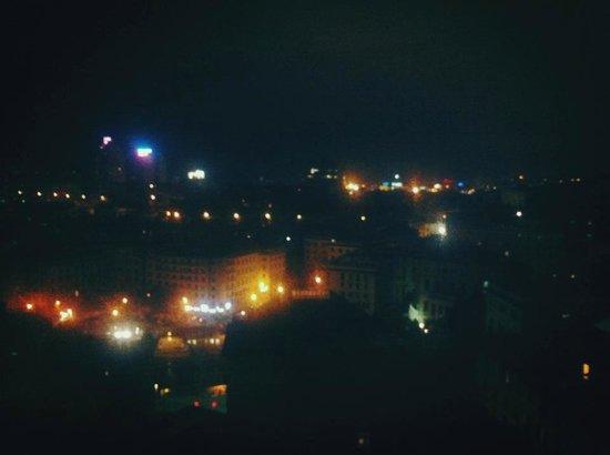 Bin & Ban Bed & Breakfast : vista di notte
