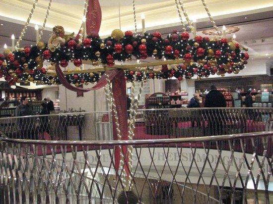 Fortnum & Mason: Staircase & Chandelier
