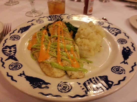 Sardi's Restaurant : Fish lunch special