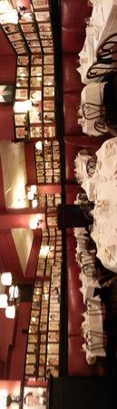 Sardi's Restaurant : dinning room